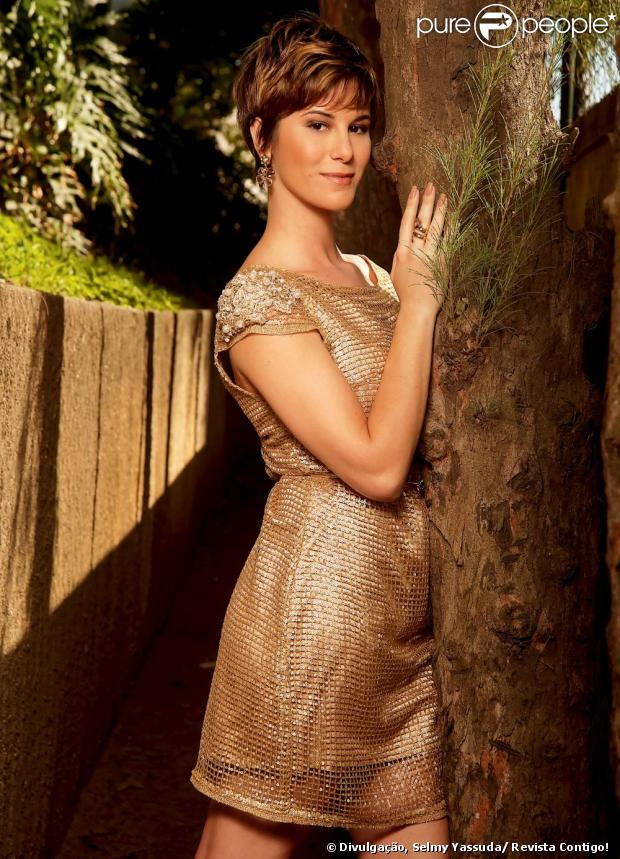 Dani Moreno admite que chorou bastante depois de cortar os cabelos para atuar em 'Salve Jorge', contou ela em entrevista à revista 'Contigo!' de 9 de janeiro de 2013