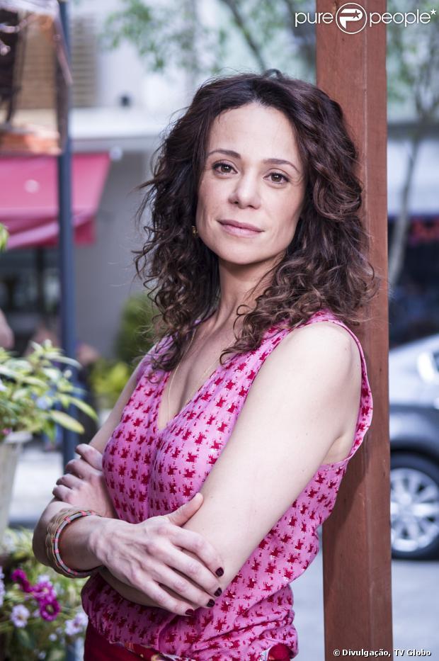 Vanessa Gerbelli será Juliana, tia de Helena (Julia Lemmertz) em 'Em