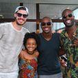 Rafael Zulu, ator de 'Sol Nascente', recebeu os amigos Thiaguinho e o jogador de vôlei Bruninho, no aniversário de 10 anos da filha, Luiza, em um clube na Barra da Tijuca, Zona Oeste do Rio de Janeiro, neste domingo, 22 de janeiro de 2016