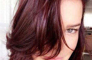 Fernanda Souza muda a cor do cabelo e fica ruiva: 'Vinho marsala'. Veja vídeo!