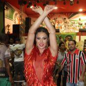 Carnaval: Gracyanne Barbosa aposta em decote e franjas para ensaio da X-9. Fotos