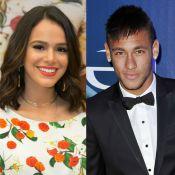 Neymar e Bruna Marquezine bebem vinho com a irmã do jogador, Rafaella. Foto!