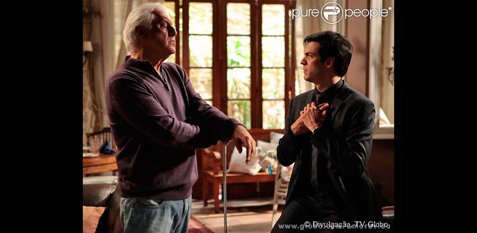 No último capítulo de 'Amor à Vida', César será acolhido pelo filho e vai morar com Félix e Niko na casa de praia da família Khoury
