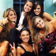 Isis Valverde compartilhou algumas fotos de sua viagem a Belo Horizonte na companhia das amigas