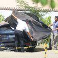 O carro de Isis Valverde foi fotografado completamente amassado