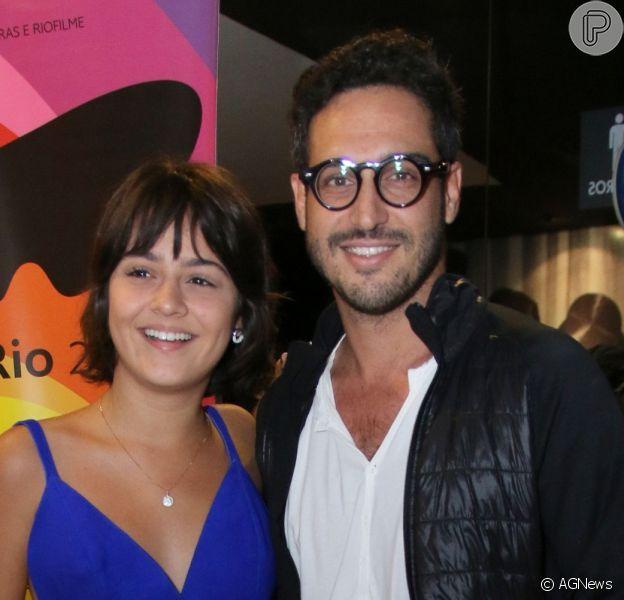Giullia Buscacio terminou o namoro com o fotógrafo Leandro Pagliaro, diz a coluna 'Retratos da Vida', do jornal 'Extra', nesta terça-feira, 31 de janeiro de 2017