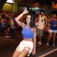 Carla Prata também arrasou no samba no ensaio de rua da Vila Isabel para o carnaval, na noite desta quarta-feira, 1º de fevereiro de 2017