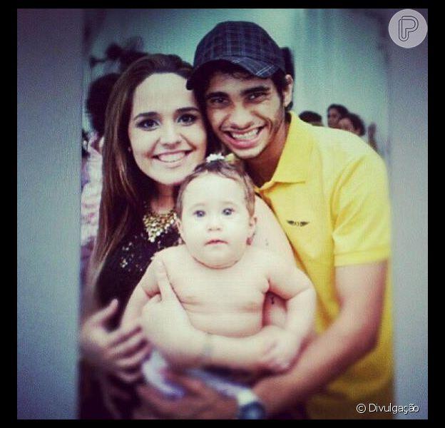 Perlla está grávida de cinco meses; informação foi confirmada pela assessora de imprensa da cantora, Tatiana Guimarães, em 11 de janeiro de 2013