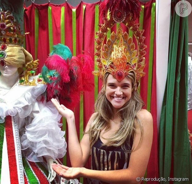 Juliana Paiva vai desfilar pela Grande Rio no Carnaval do Rio de Janeiro. O anúncio foi feito em 11 de fevereiro de 2014