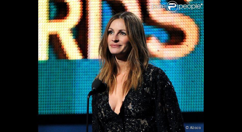 Julia Roberts cancela encontro com indicados ao Oscar após saber de morte da irmã