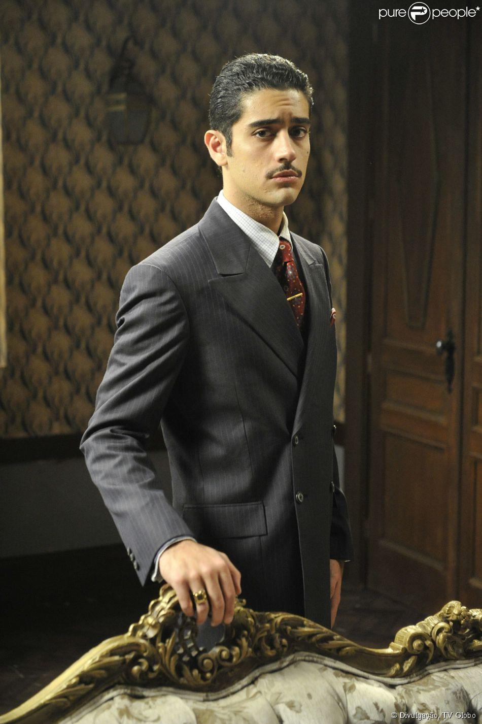 Décio (Miguel Rômulo) é preso como mandante do assalto ao clube, em 'Joia Rara', em 19 de fevereiro de 2014