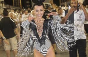 Carnaval 2014: Sabrina Sato samba com maiô decotado em ensaio da Gaviões da Fiel