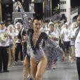 A nova apresentadora da TV Record distribuiu sorrisos e simpatia durante a sua passagem pelo Anhembi