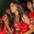 Bruna Marquezine conferiu o show de seu amigo Tiago Abravanel no camarote da Brahma, na Marquês de Sapucaí, no Rio, no domingo de Carnaval