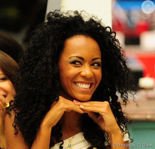 Aline Mattos, ex-'Big Brother Brasil 13' conversou com o Purepeople nesta quinta-feira, 17 de janeiro de 2013