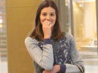 Camila Queiroz, noiva de Klebber Toledo, exibe aliança em dia de shopping no Rio