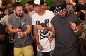 Neymar se diverte com amigos em Mangaratiba após terminar namoro com Marquezine