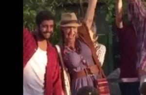 Luana Piovani e Pedro Scooby levam os filhos, Dom, Bem e Liz, para festa junina