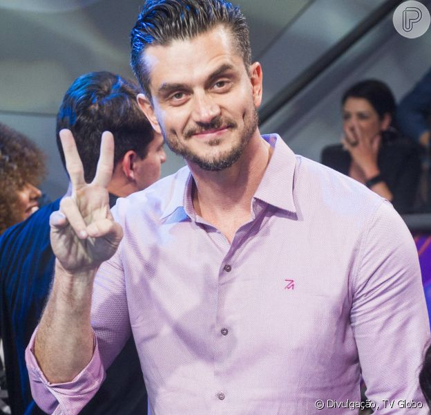 Em um encontro de fãs, o ex-BBB Marcos Härter criticou as atrizes que participaram da campanha 'Mexeu com uma, mexeu com todas'