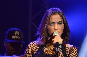 Anitta curte final de semana com Thiago Magalhães e segue o affair no Instragram