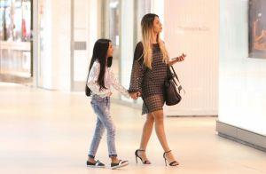 Lexa leva irmã de 8 anos a shopping e estilo da caçula chama atenção. Fotos!