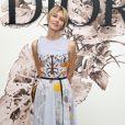 Isabella Uguccione prestigiou o desfile de alta-costura que celebrou os 70 anos da Dior, em Paris, na França, em 3 de julho de 2017
