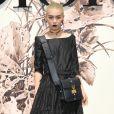 Chisaki Hatakeyama prestigiou o desfile de alta-costura que celebrou os 70 anos da Dior, em Paris, na França, em 3 de julho de 2017