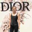 Olympia Scarry prestigiou o desfile de alta-costura que celebrou os 70 anos da Dior, em Paris, na França, em 3 de julho de 2017