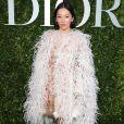Tina Leung, atriz chinesa, escolheu um look impactante para o lançamento da exibição 'Christian Dior, couturier du rêve', em celebração aos 70 anos da Dior, em Paris, na França, em 3 de julho de 2017