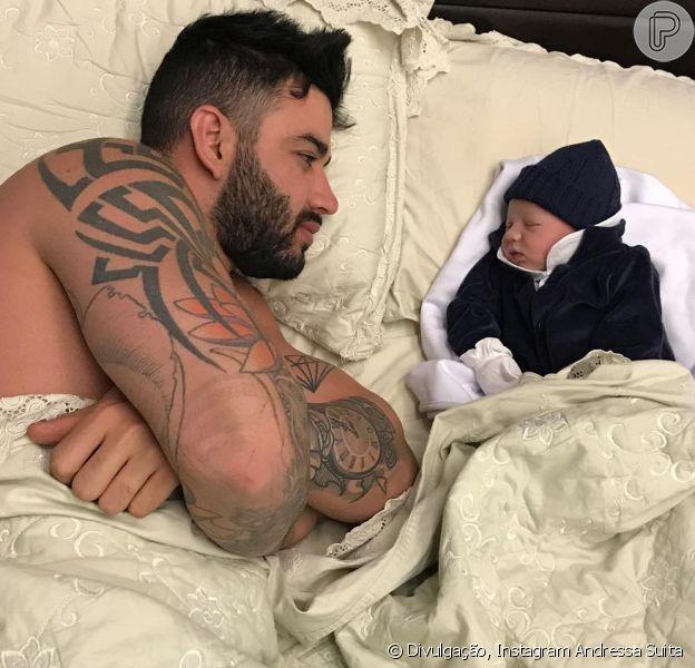 Gusttavo Lima tem se dividido entre shows e o filho recém-nascido, Gabriel