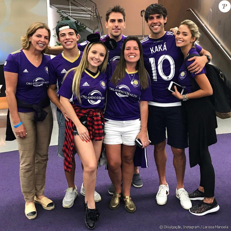 Larissa Manoela e o namorado assistem Kaká jogar futebol nos EUA ... 13ea938912