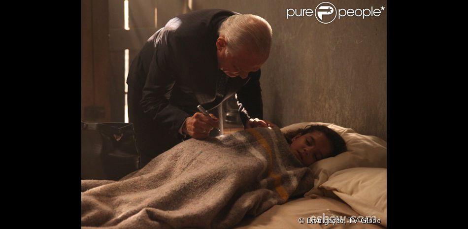 Pérola (Mel Maia) corre risco de vida no cativeiro em que Manfred (Carmo Dalla Vecchia) a mantém escondida, em 'Joia Rara', em 2 de abril de 2014