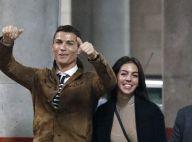 Cristiano Ronaldo é flagrado com namorada, grávida, em passeio de iate em Ibiza