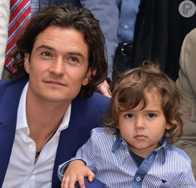 Orlando Bloom levou o filho Flynn Bloom para a cerimônia em que ganhou uma estrela na Calçada da Fama de Hollywood