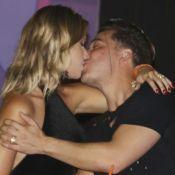 Wesley Safadão e Thyane Dantas se beijam em festival de música no CE. Fotos