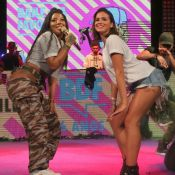 Bruna Marquezine, com look curto, rebola com Ludmilla em evento de funk. Fotos!
