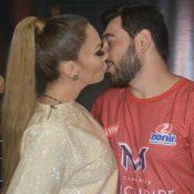Solange Almeida, recém-casada, troca beijos com marido no Fortal. Veja fotos!