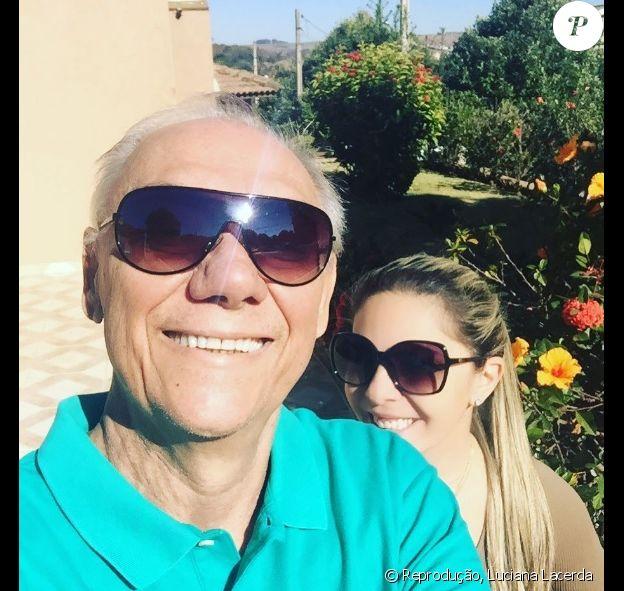Marcelo Rezende, tratando câncer, recebeu apoio da namorada, Luciana Lacerda: 'Vencemos'