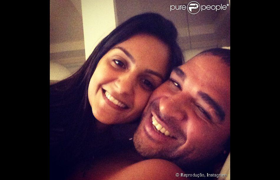 Adriano compra apartamento para a ex, Renata Fontes, e a filha Lara morarem mais perto dele