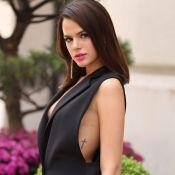 Bruna Marquezine, de biquíni, exibe boa forma em St. Tropez: 'Lacrou'