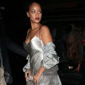 Rihanna usa vestido camisola e sandálias de R$ 2 mil em Londres. Fotos do look!