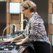 'MasterChef': Mirian entrega prato cru, é eliminada e web vibra. 'Nosso momento'