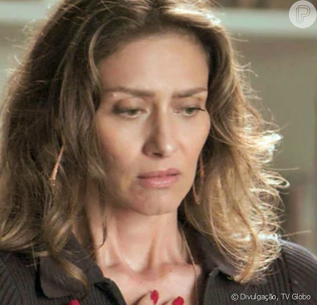 Na novela 'A Força do Querer', Joyce (Maria Fernanda Cândido) descobre segredo da filha, Ivana (Carol Duarte)