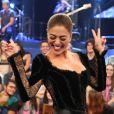Juliana Paes soltou a voz na festa do 100º capítulo da novela 'A Força do Querer'