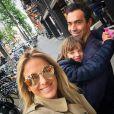 Rafaella Justus posou com a mãe, Ticiane Pinheiro, e o padrasto, Cesar Tralli