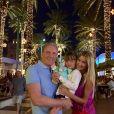 Rafaella Justus também posou com o pai, Roberto Justus, e a madrasta, Ana Paula Siebert