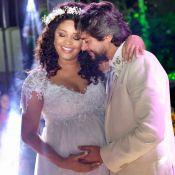 Juliana Alves, grávida de 7 meses, se casa com o diretor Ernani Nunes, no Rio