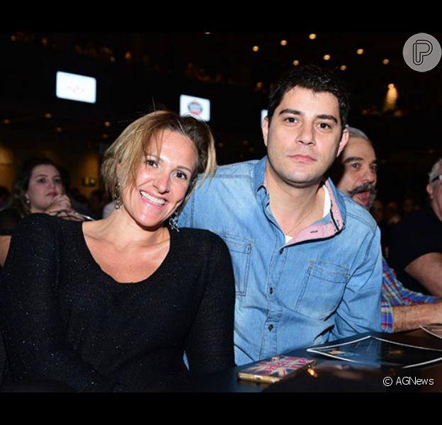 Amalia Candido Stringhini, mulher de Evaristo Costa, confirmou a mudança da família para a Inglaterra em seu Instagram, na última terça-feira, 1º de agosto de 2017