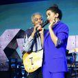 Anitta fez dueto com Gilberto Gil durante lançamento do carro Renault Kwid, no Allianz Arena, em São Paulo, na noite desta quarta-feira, 02 de agosto de 2017