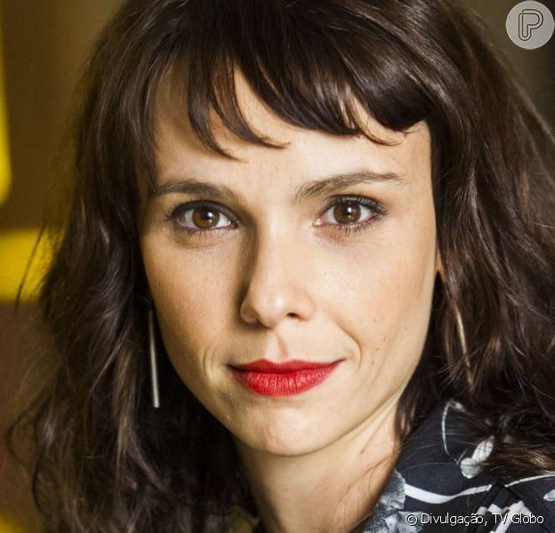 Novela 'A Força do Querer': Irene (Débora Falabella) revela gravidez